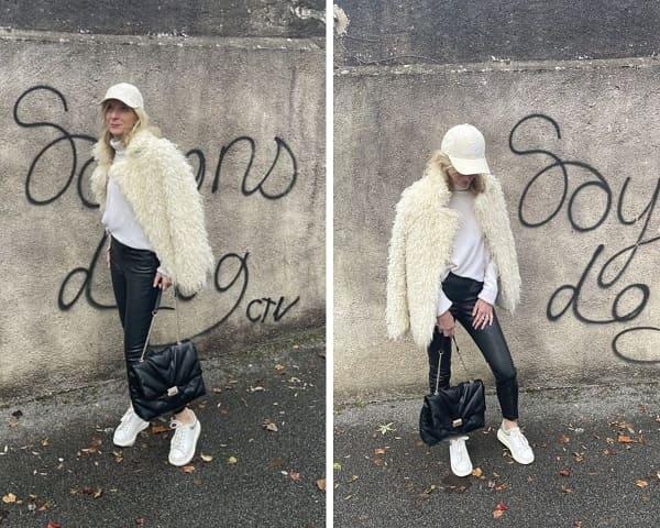 femme portant casquette beige